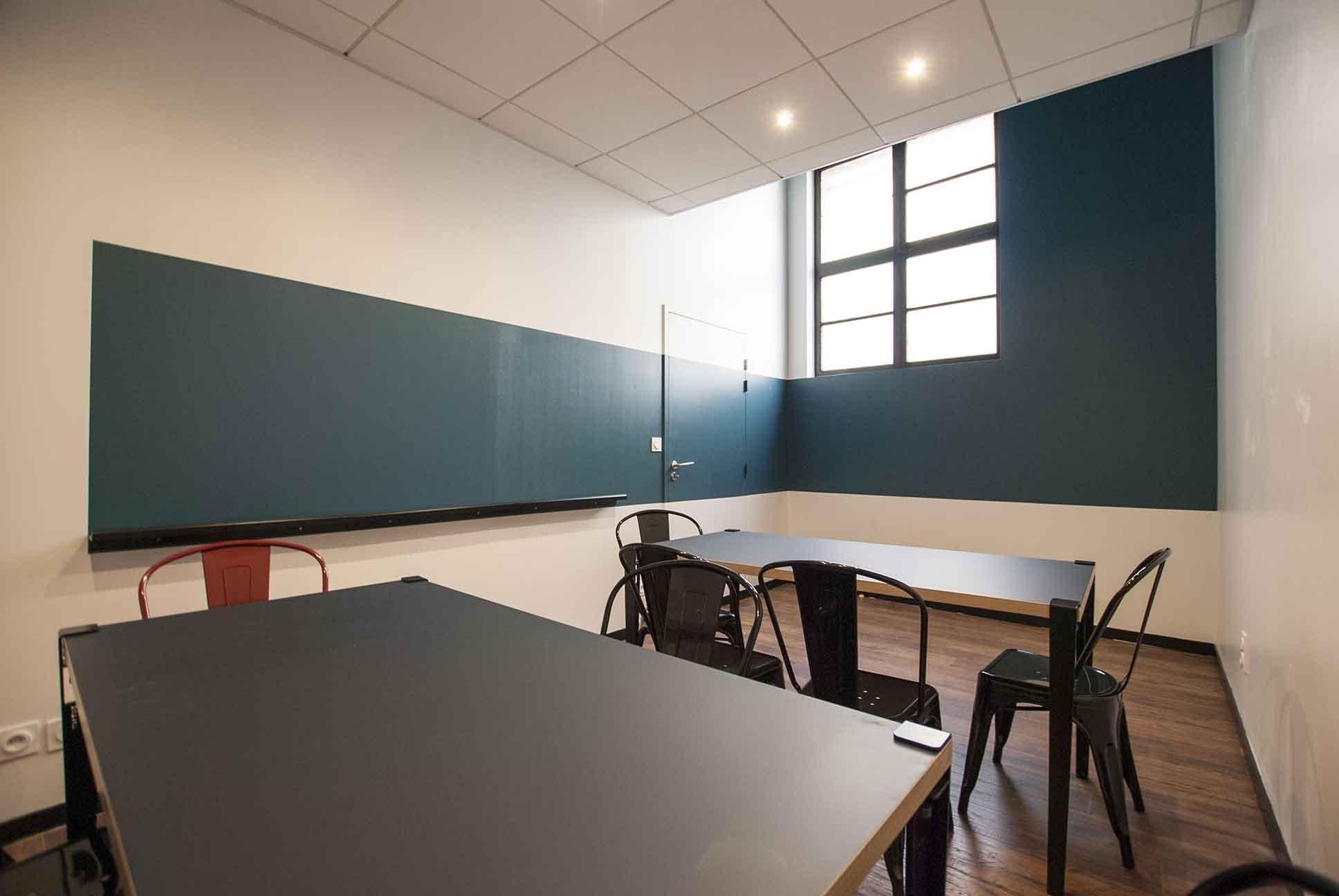 La Lock Academy - Escape Game Toulouse met à disposition une salle de réunion pour les sorties d'entreprises - Team building